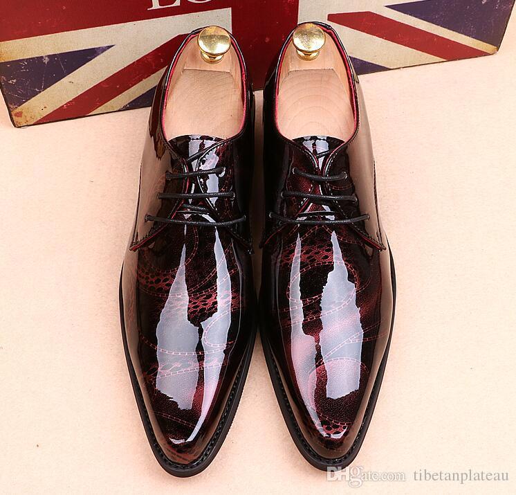 Męskie prawdziwe skórzane patentowe buty szpiczaste palce koronki w górę drukowane inteligentne dorywczo czerwone buty ślubne ciemnoniebieski sliver Lampart