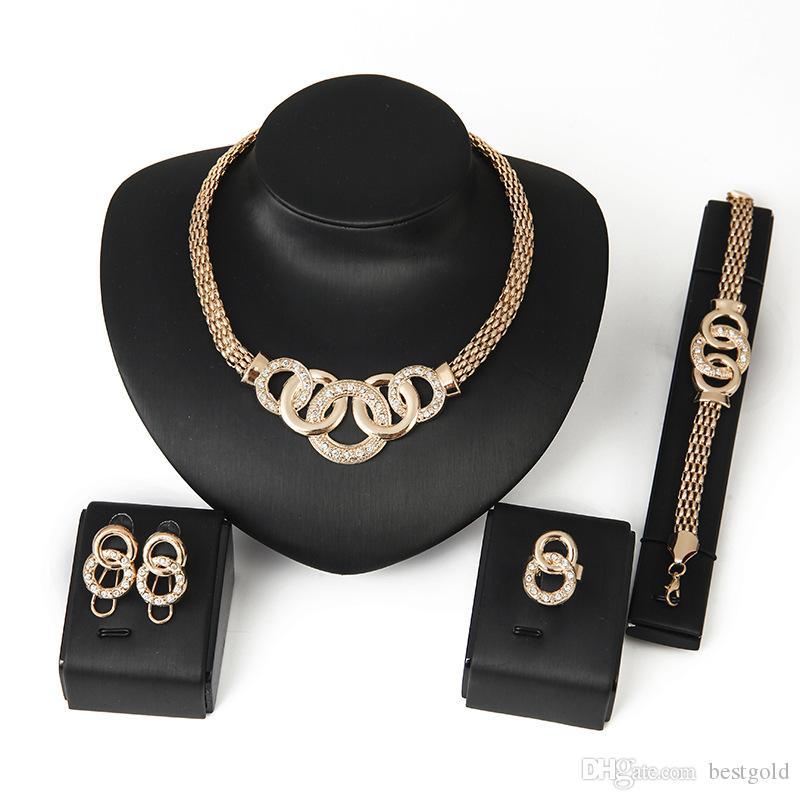 Dubai 18K chapado en oro Five Loops juegos de collar de moda diamante africano boda nupcial bisutería Ses (collar + pulsera + pendientes)