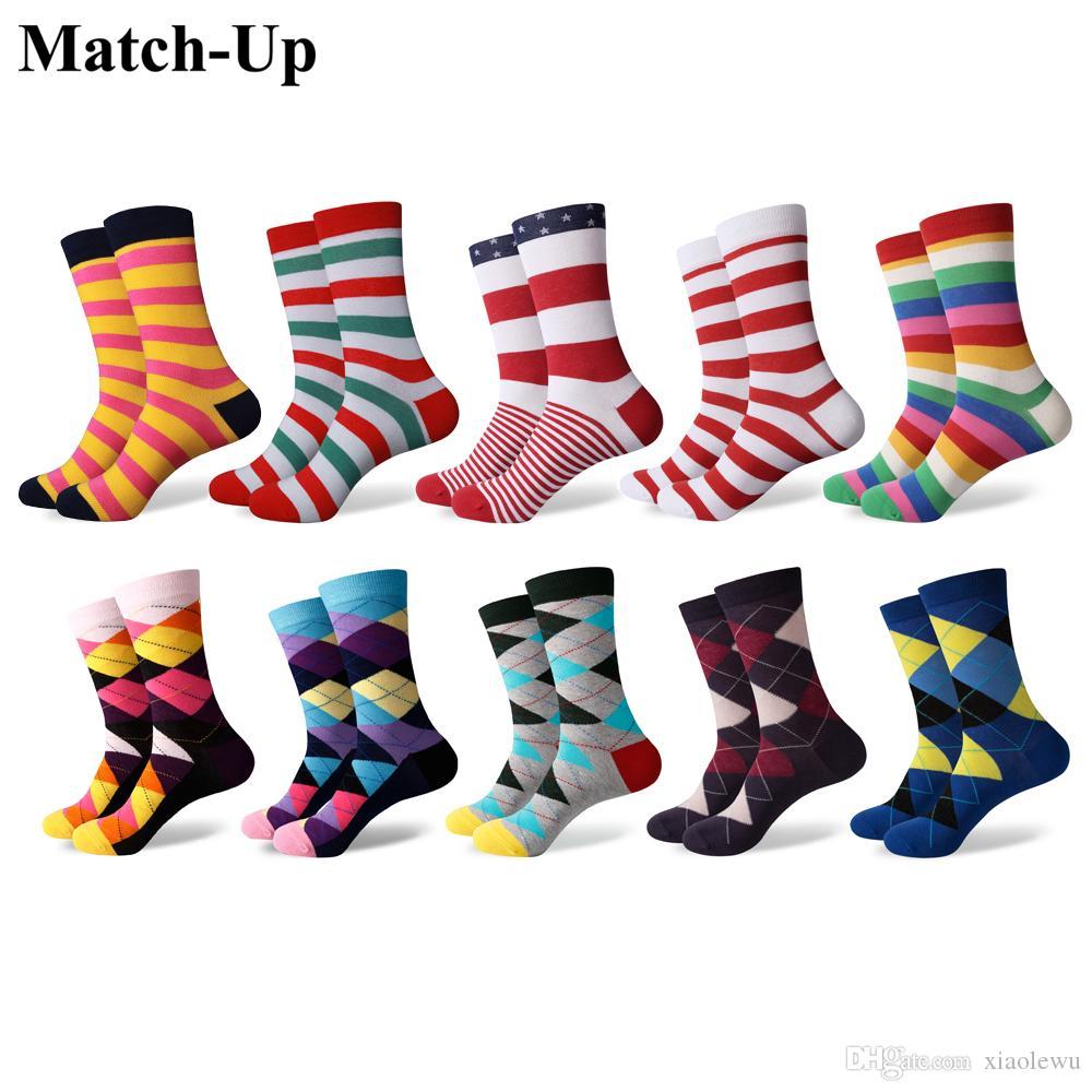 Match-Up erkekler Renkli Penye Pamuk Çorap Komik Çizgili Nokta Çok Set Elbise Casual Mürettebat Çorap (10 Çift / grup)