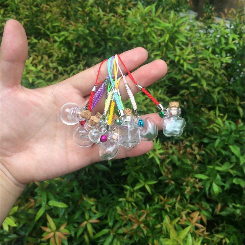 Mini Glass Bottles Pendants with Chain Small Wishing Bottles Glass Vial Arts Jars For Key Bracelets Gift Bottles