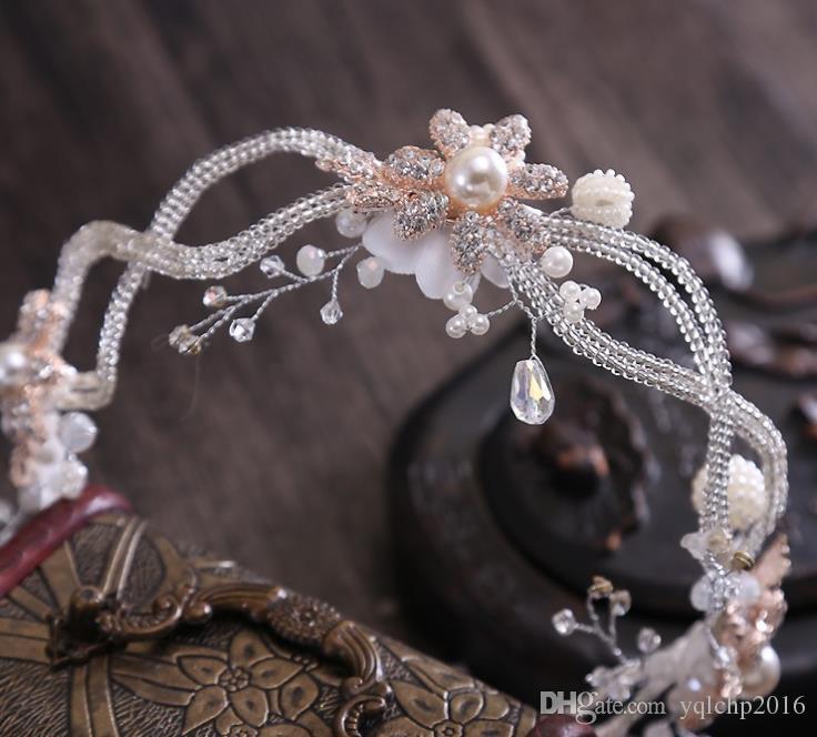 Robe de mariée fait main avec bandeau en cristal, accessoires de fleurs en diamants, ornements de mariée