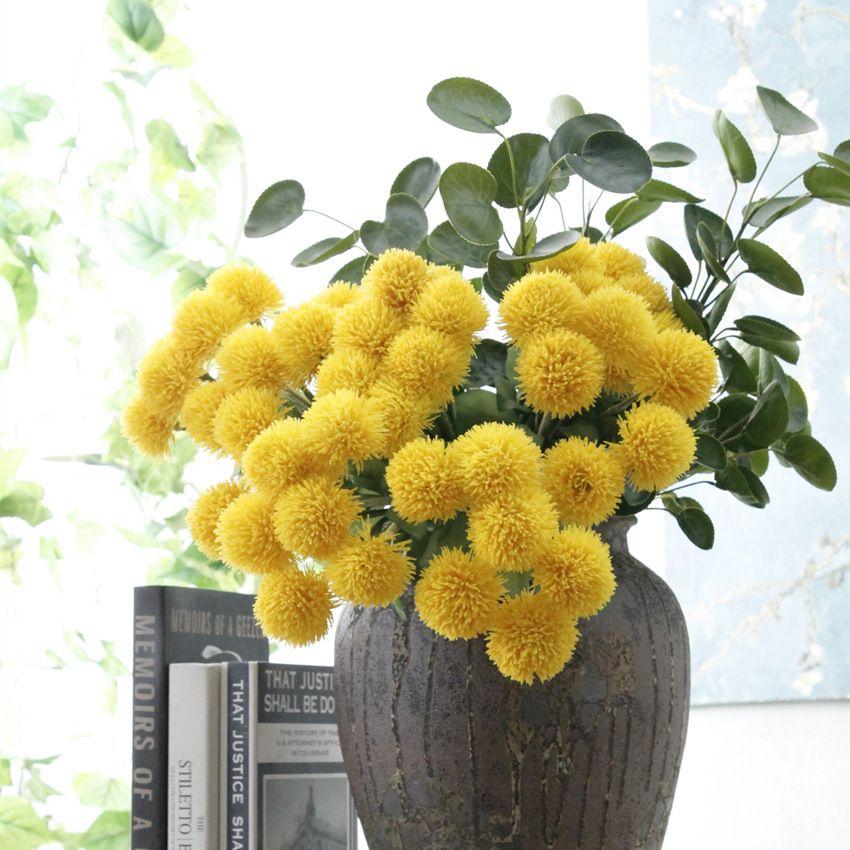 Boule de fourrure en plastique de fleurs artificielles avec des fleurs faux bouquet de décoration de maison de fleurs