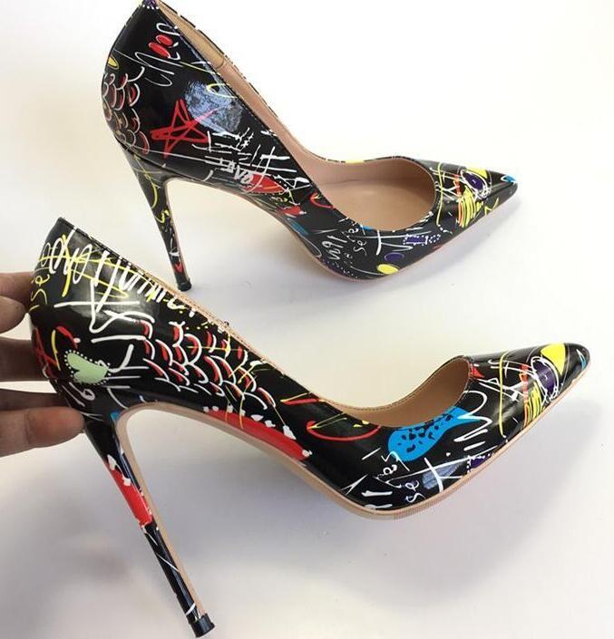 NOVA 2018 estilo mulheres de alta qualidade Red saltos altos sapatos rebites roxo saltos de patentes senhora sapatos de casamento sapatos de salto alto + caixa