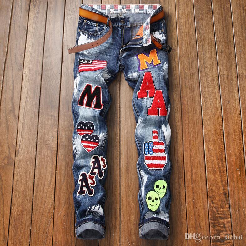 최고 품질 남성 더 많은 배지 씻어 럭셔리 청바지 패션 디자이너 sreetwear 슬림 피트 그린 바이커 데님 바지 바지 큰 크기 896