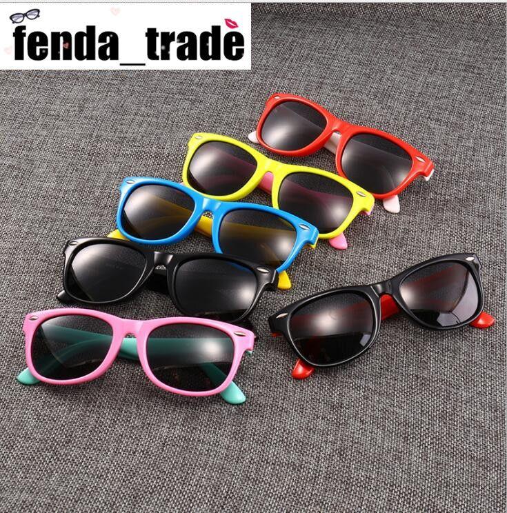 17 Renkler ADEDI = 10 adet kauçuk çerçeve Yeni Çocuk TAC Polarize Güneş Gözlüğü Kız Çocuklar Için Tasarımcı Tasarımcı Shades Gözlüğü Bebek Gözlük retro gözlük