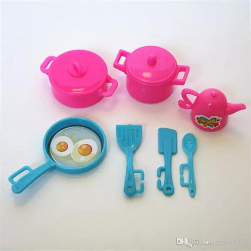 7pcs Doll Kitchen Supplies Sets Children Play House Party Mini Kitchenware Furniture Accessories With Pans Kettle Pot Spatula 1 5cp YY
