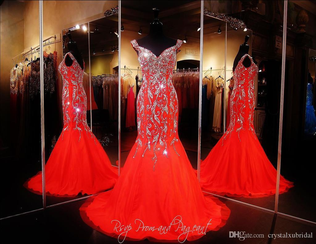 2019 Bling Sexy Prom Dresses Wear Crystal Major Beading Long Red Chiffon Cap Mangas Sirena Sweep Train Formal Evening Party Vestidos del desfile