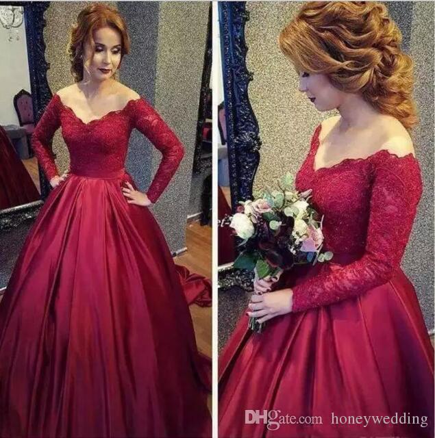 Apliques Beaed Vestido de fiesta nupcial con hombros descubiertos Hasta el suelo Vestido de novia Vestidos de novia de manga larga Una línea de vestido de bola de boda rojo vino