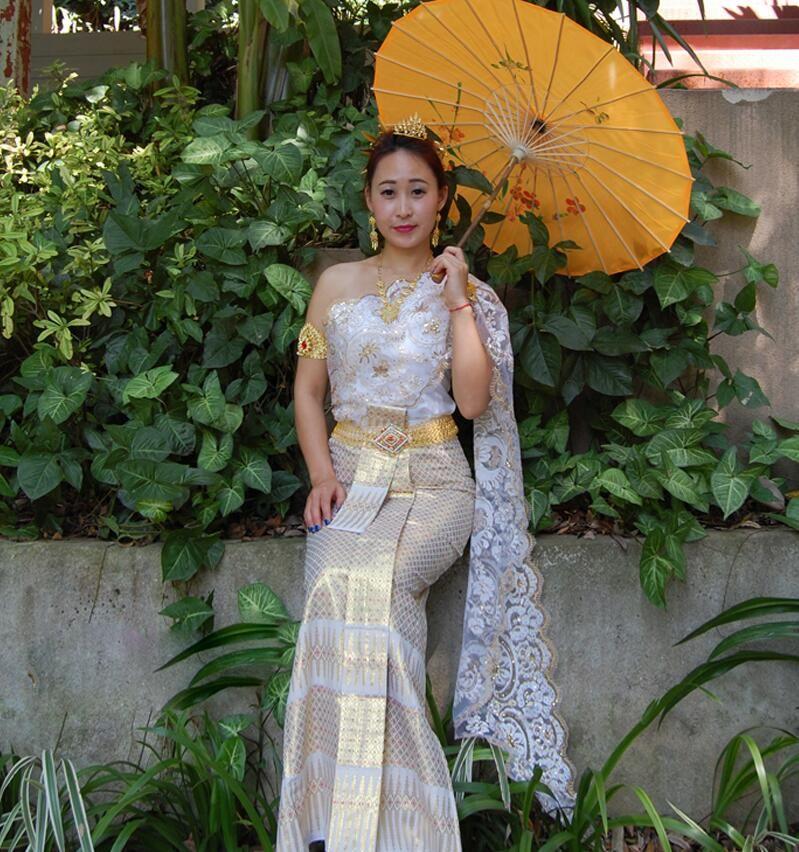 Abiti delle minoranze asiatiche Dai principessa Thailandia abito da sposa Dai sposa bianca senza maniche scapola singola abito da sposa