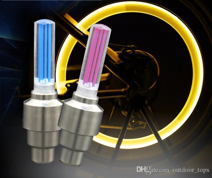 Nouveauté roue de voiture Lumières vélo éclairage lampe flash LED roue des pneus Lampe roue Valve Stem Cap Lumière moto vélo lampe