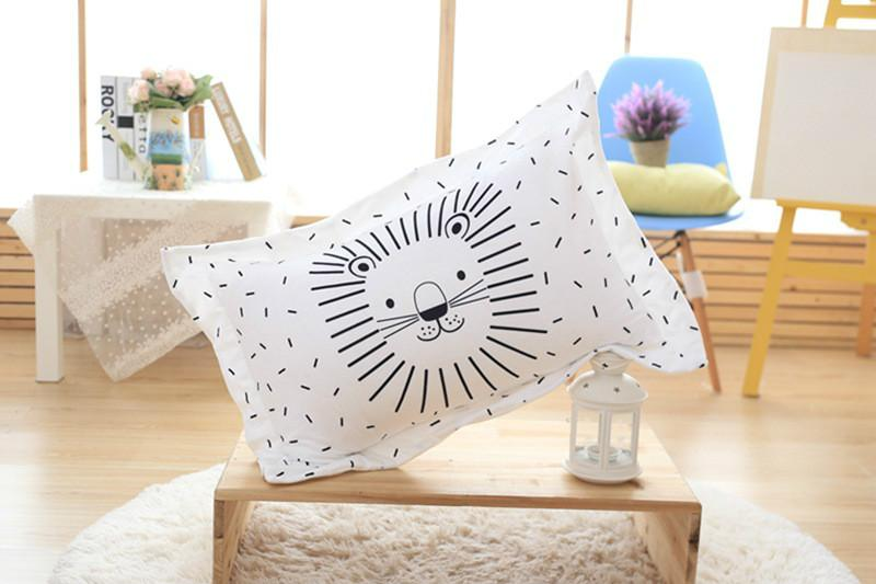 Baby Care fronha Pillow Baby cobertura para as crianças da cama coussin enfant noir et blanc Cotton Quarto decorativas Fronhas Coxim