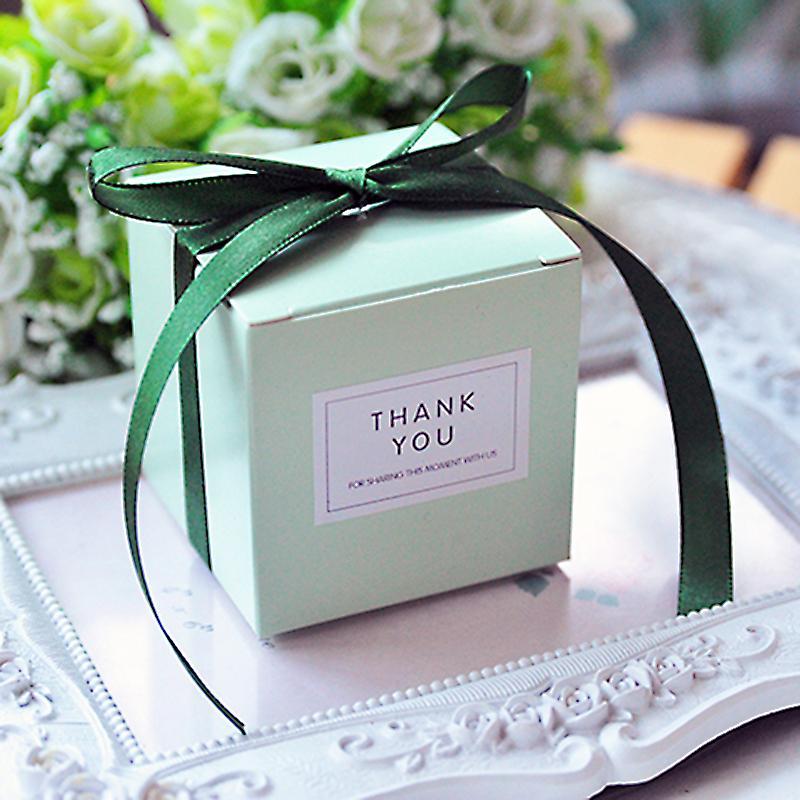 무료 사용자 정의 스티커 50PCS 웨딩 베이비 샤워 생일 손님 이벤트 파티 깨끗한 관대 큐브 맞춤 선물 사탕 호의 상자