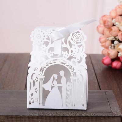 Yaratıcı Delikli Şeker Kutuları Düğün Lazer Kesim Gelin ve Damat Çiçek Desen Ile Beyaz Renk Şekeri Güzel Avrupa Hediye Paketi