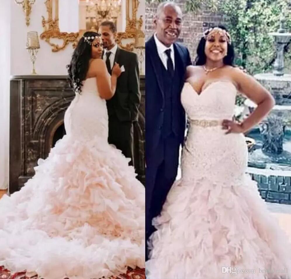연 2020 년 아프리카 플러스 사이즈 인 웨딩 드레스와 함께 구슬 띠 계층 프릴 스커트 웨딩 드레스 다시 신부 드레스