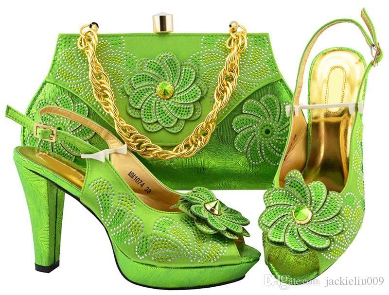 Hermosos zapatos de mujer de limón con diseño de flor de cristal grande para vestir Bombas africanas Match Bolso Set MM1074