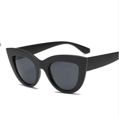 Neue Katzenauge-Frauen-Sonnenbrille Getönte Farbe Objektiv Männer Jahrgang Shaped Sonnenbrillen Weibliche Brillen Blau Sonnenbrillen