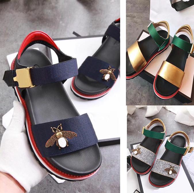 nuova parola di cuoio dal fondo spesso con una punta della banda Piccole donne sandali da donna estate selvaggia scarpe comode onde europee e americane