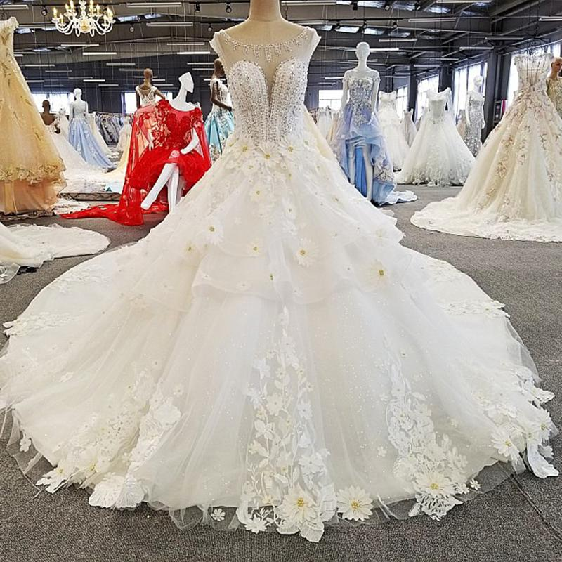 Flower Wedding Gown With Long Train O-Neck Sleeveless Beaded Princess Wedding Dresses Sexy See-Through Back Engagement Dress
