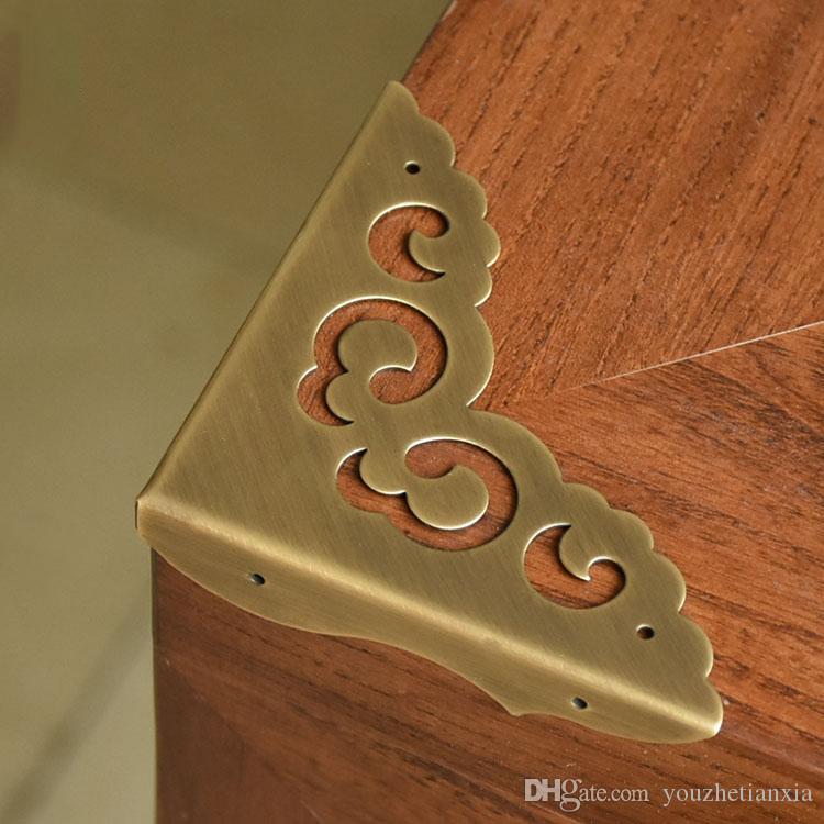 Antik pirinç köşe dirseği mobilya masası dolap mücevher kutusu ahşap kutu donanım köşe hollow dantel çiçek köşe