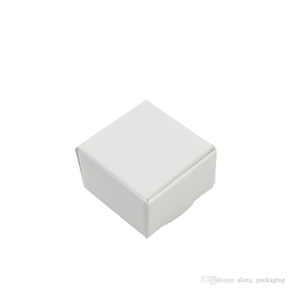50 قطعة / الوحدة 4 * 4 * 2.5 سنتيمتر صغيرة الأبيض كرافت ورقة هدية مربع التعبئة والتغليف للمجوهرات diy الصابون الخبز مخبز الكعك ملفات تعريف الارتباط صناديق تخزين الحلوى