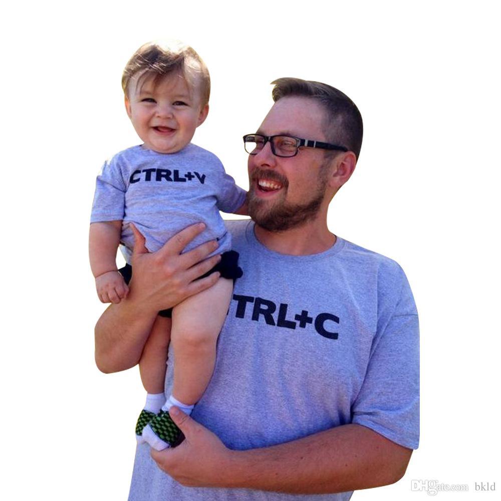 CTRL C + CTRL V letras impressas Família olhar do filho do paizinho camisetas Família Moda Pai Roupa das Crianças Curto Família luva roupas combinando