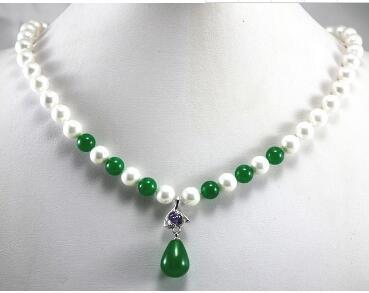 Ücretsiz Nakliye kim le / perakende güzel tasarım 8mm beyaz kabuk inci ve yeşil jades kolye + yeşil jades kristal kolye
