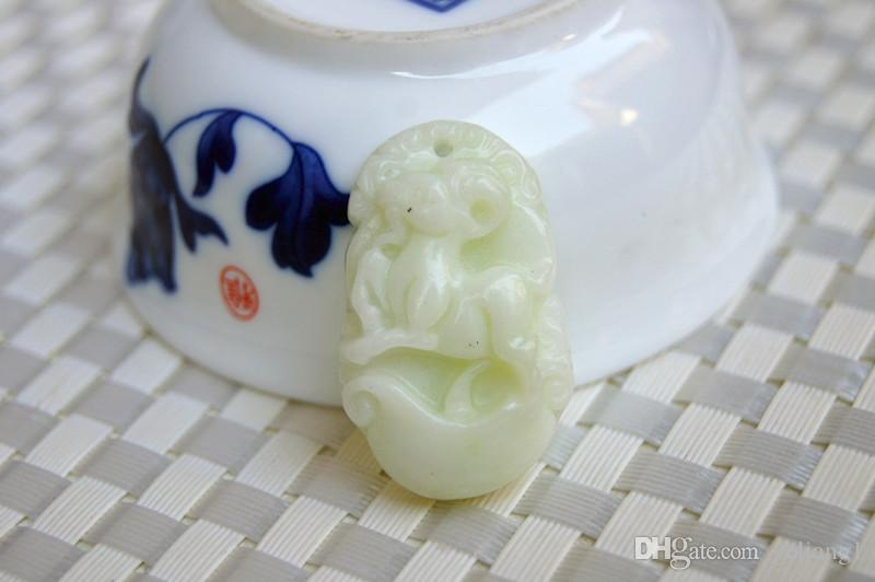 Природный белый нефрит округа Шэньси ланьтянь. Резной 12 зодиака животных изысканный овец. Овал. Кулон ожерелье (амулет)