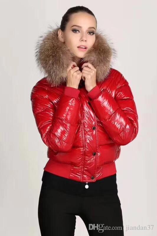 M 브랜드 패션 여성 광택 다운 재킷 겨울 여성 드레스 다운 코트 진짜 너구리 모피 코트 분리 칼라 후드 파카 유명 인사