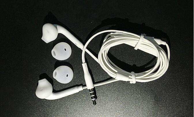 S6 Için 20 adet / grup Kulaklık kulak stereo kulaklık MP3 MP4 için mikrofon ile Samsung Galaxy S4 S3 S2 i9300 i9800 S5 S6 Kenar