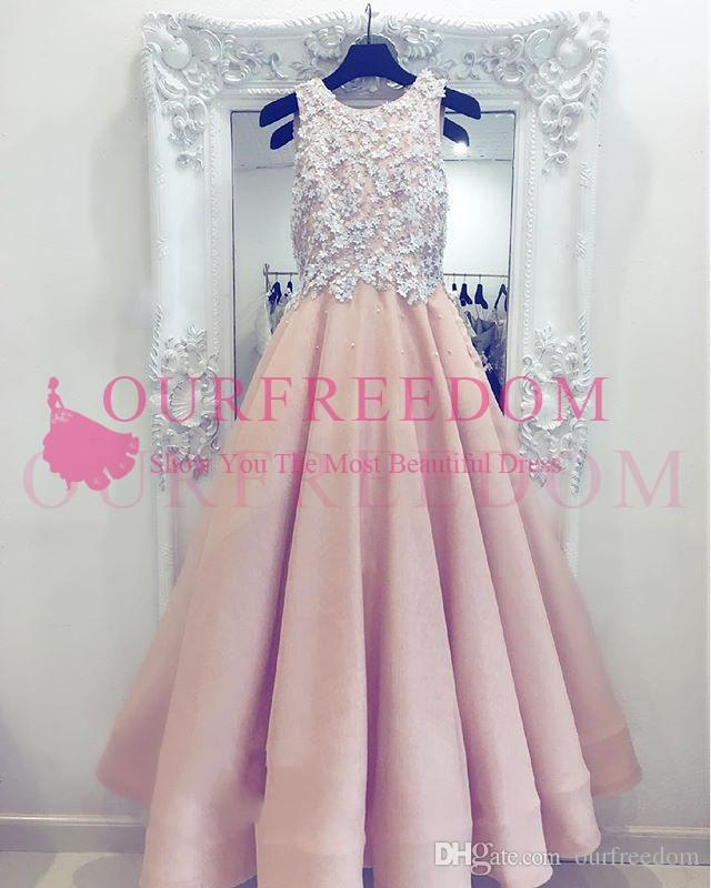 2019 Elegant Pale Pink Prom Dresses Lace Appliques Jewel Neck Beaded A Line Formal Evening Occasion Dresses Custom Made Dubai Arabic Style