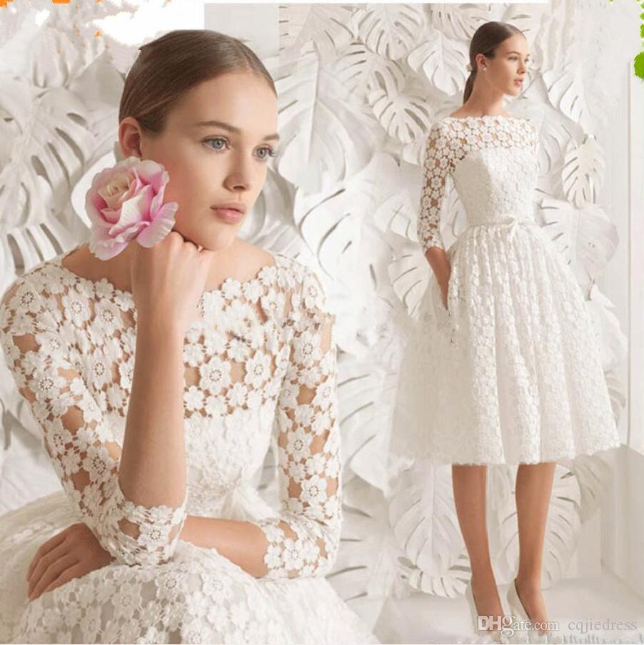2019 Cuello de bote de cordones Vestidos de novia corto Longitud de la rodilla Manga larga Simple una línea Vestidos de novia elegante 3D Floral Encaje Boda Vestidos formales