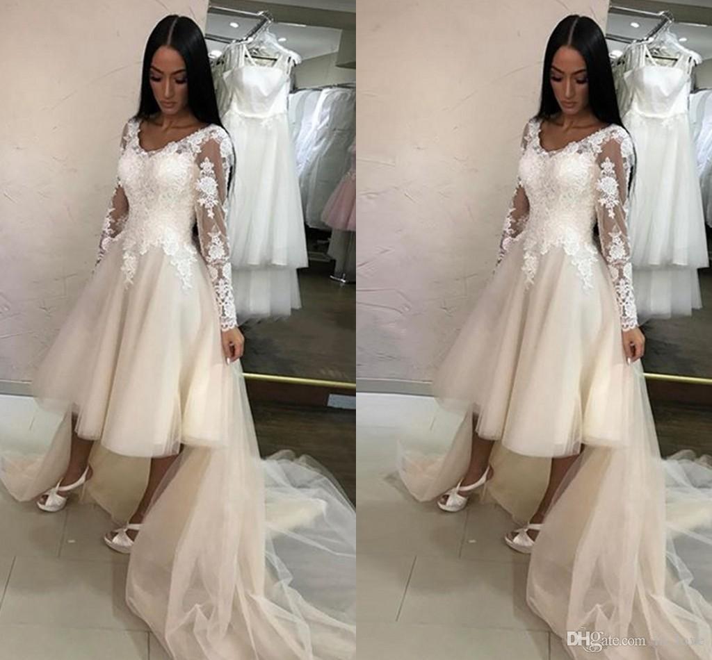 Kurzes vorderes langes hinteres langes Hochzeits-Kleid-langes Hülsen-V-Ansatz handgemachte Appliques schnüren sich eine Linie hoch niedrig 2019 Art- und Weisebrautkleider Gewohnheit