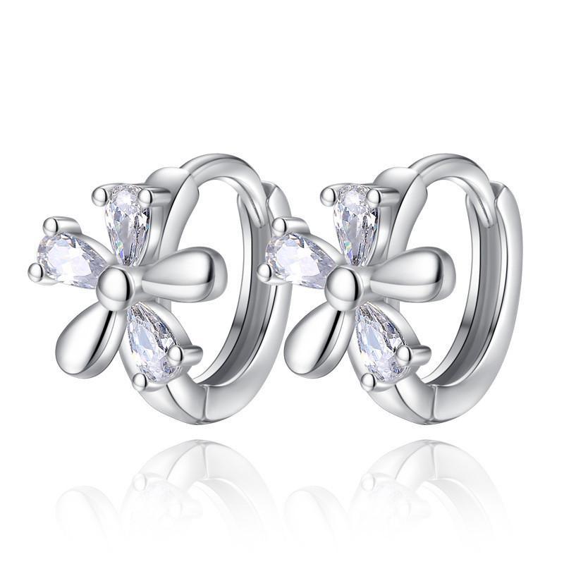 Zircon Boucles d'oreilles Hoop pour les femmes Corée bijoux à la mode Accessoires de mode Femme Mesdames Fête des Mères Cadeau WHEK08