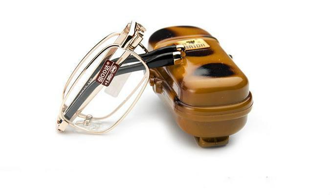 Venta al por menor 1pcs gafas de lectura plegables van con estuche mini presbyopia gafas portátiles lentes potencia +1.0 a +4.0