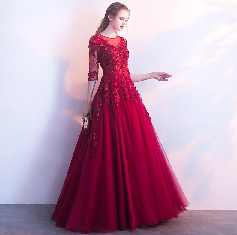 2018 Long Evening Dresses Wine Red Elegant Prom Dress Lace Appliques Beading Sexy A-Line Formal Party Dress Keyhole Celebrity Runway Dress