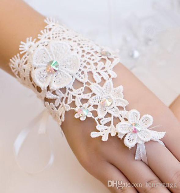 حار بيع قصيرة الرباط العروس قفازات الزفاف الخرز أصابع المعصم طول مع الشريط قفازات الزفاف اكسسوارات الزفاف