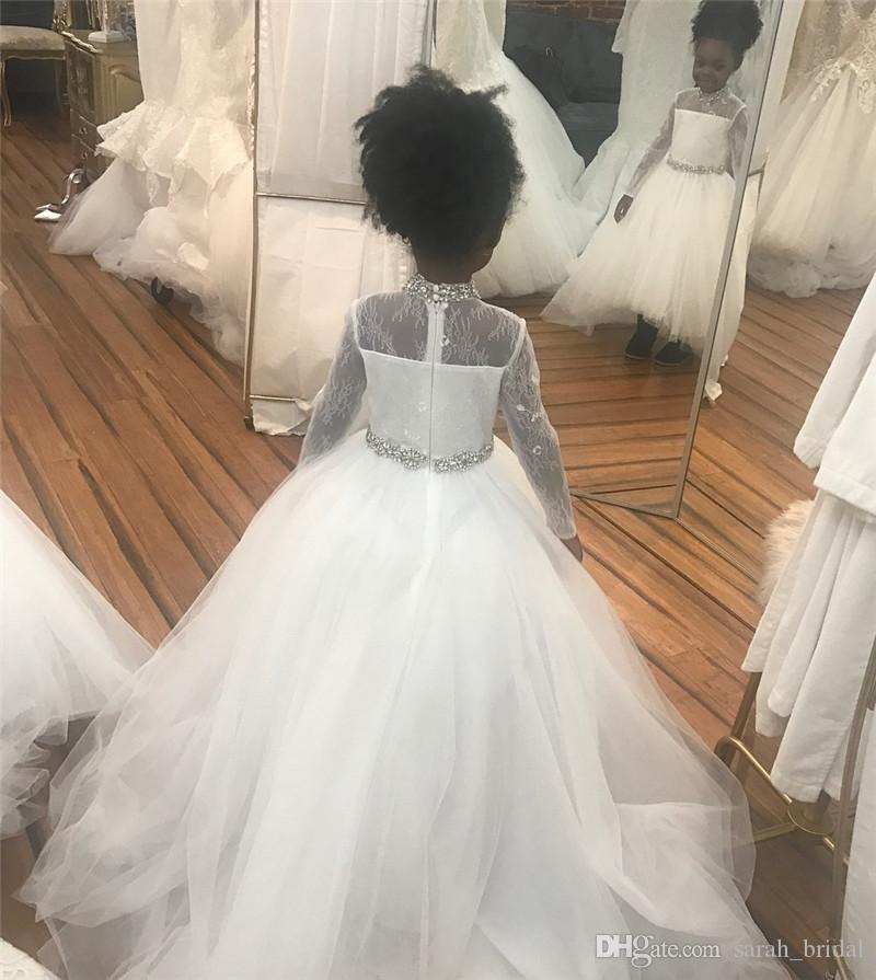 Lovely African Long Sleeves Flower Girls Dresses 2020 Ball Gown High Neck Crystals Vintage Lace Long Tulle Cheap First Communion Party Gown