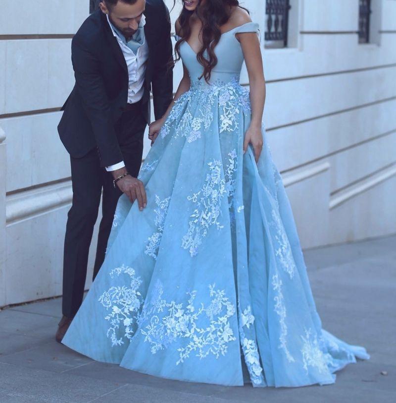 Taille De Organza Mariée Acheter Robes En Dentelle Bleue L'épaule Blanche Pour Princesse Robe Et V Plongeant Empire Décolleté DE9WH2I