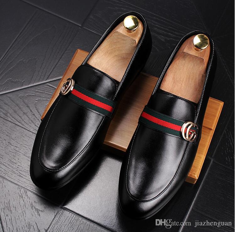 2018 Novo estilo Homens Clássicos Da Moda Doug Sapatos Animais Imprime Sapatos de Negócios Apontou Toe de Couro Brilhante Casamento Sapato Liso Ocasional L30