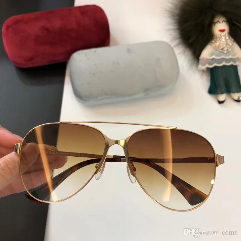 92fd3441f0d19 Compre 2018 Novo Logotipo De Luxo Óculos De Sol Atitude Óculos De Sol  Moldura De Ouro Quadrado De Metal Frame Do Vintage Estilo De Design Ao Ar  Livre Modelo ...