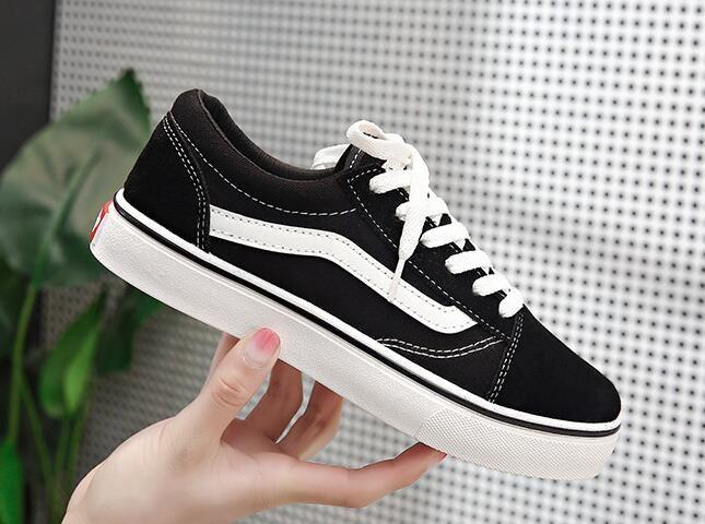 Clásicos Old Skool Lienzo Hombres Mujeres Zapatos casuales Clásico Negro Blanco Zapatos de skate