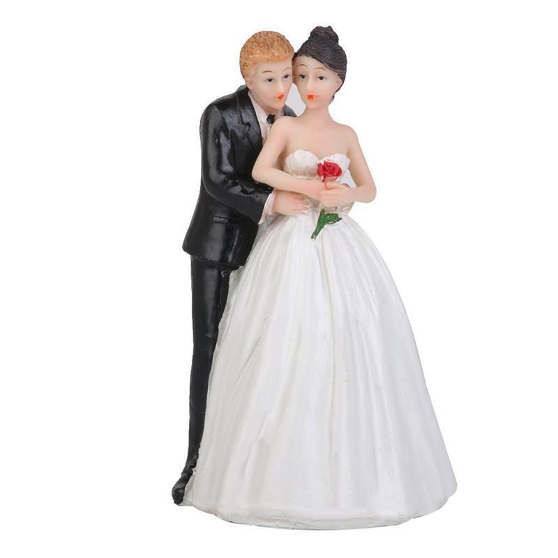 Romantic Figurine Bride Groom Hug Fanny Bride Groom Figurine Wedding Cake Toppers Resin Decor Lover Couples Gift