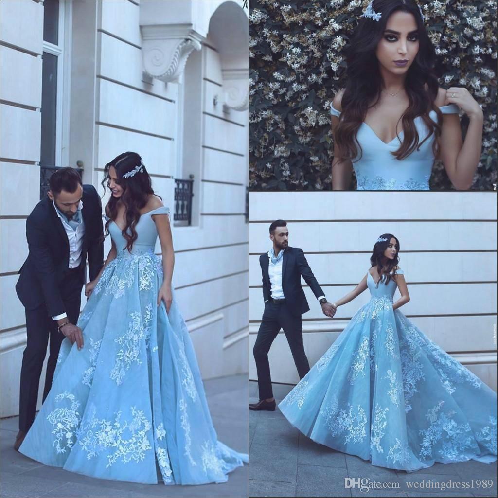 Büyüleyici Sky Blue Kapalı Omuz Abiye Tren Artı Boyutu Balo Elbise Dantel Aplikler Örgün Parti Elbise Törenlerinde robe de soirée