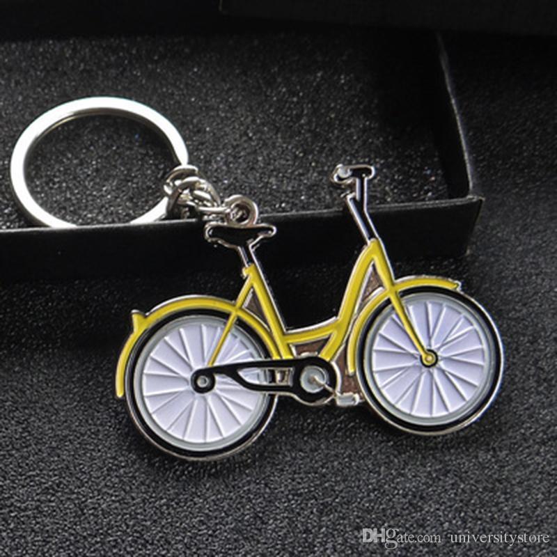 Auto Décoration keyring voiture hommes Keychain Cartoon couleur jaune Partage mobile vélo Porte-vélos