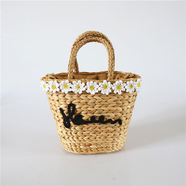 Wholesale 2018 Europe and the United States new pastoral wind flowers straw hand-woven woven bag gourd grass handkerchief shoulder bag