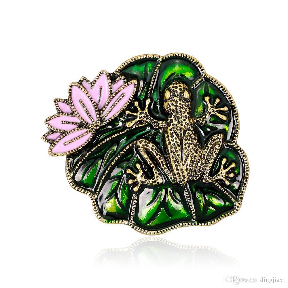 Bonito Esmalte Cor-de-rosa Lotus Flor Verde Folha Folha Brooches Cor De Ouro Pins Crachá Distintivo Mulheres Menina Terno Broche Festa Jóias