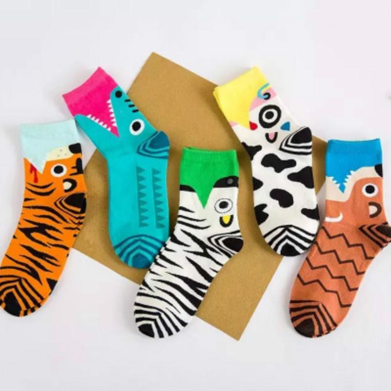 Tobillo 3D Impreso Calcetines Mujeres New unisex linda escotado calcetines de colores múltiples del algodón del calcetín femenino ocasional Tamaño Charactor calcetines libres
