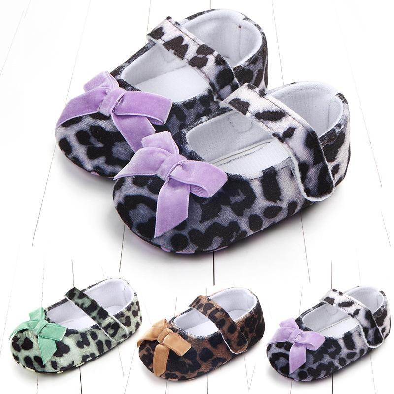 Neugeborenes Baby Schuhe Erste Wanderer Leopard druckte Schmetterlings-Bowknotprinzessin Griffige weiche Sohle Infant Kind Kleinkind-Schuhe 0-18 Monate