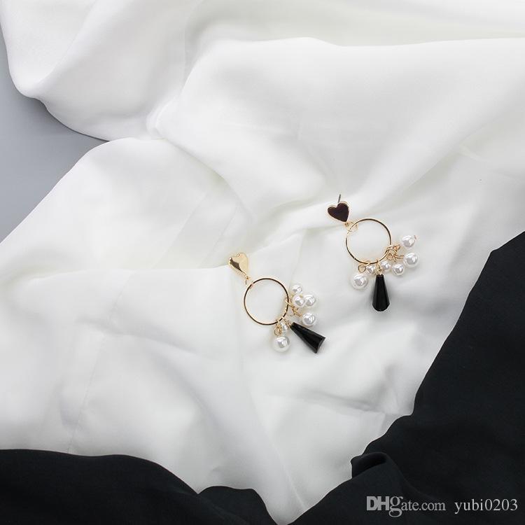 2018 yeni Elegance aşk yuvarlak küpe moda geometrik yüzük inci püskül küpe siyah ve beyaz kristal küpe