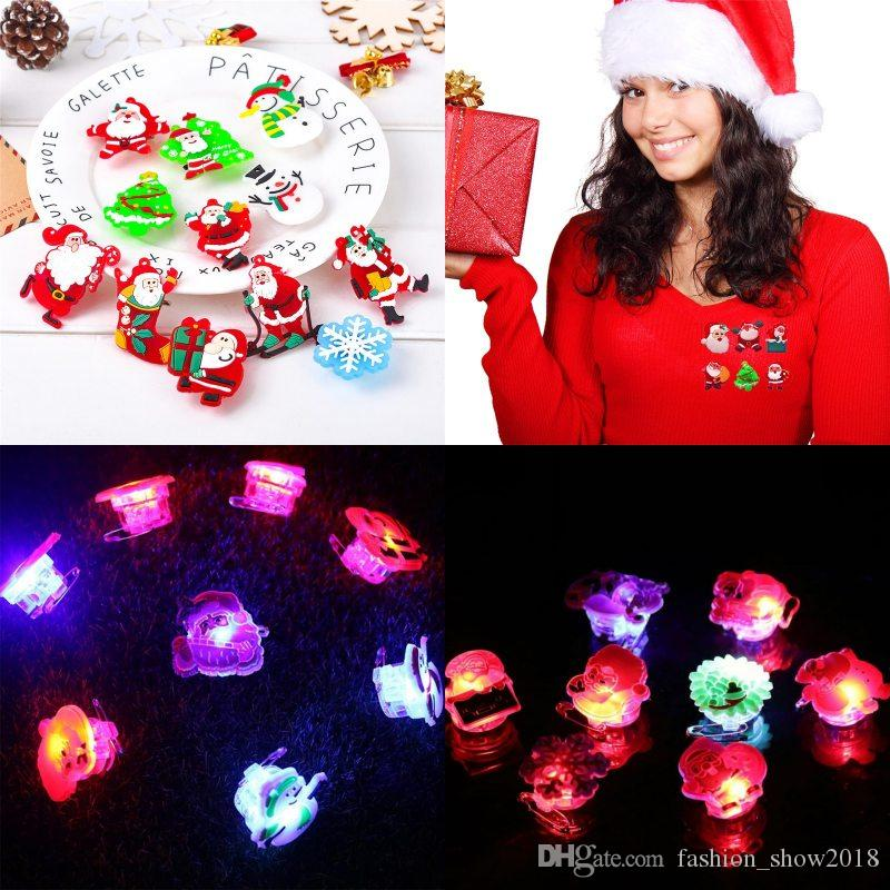 Мультфильм броши рождественской елки СИД Светящиеся Pins Девочки Мальчики Симпатичные Санта-Клауса броши знак Рождественский снег украшения подарков